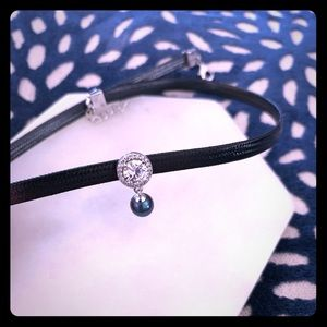 Jewelry - Pearl Chic choker necklace